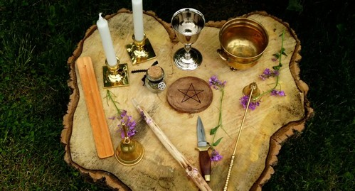 belaja-magija-instrumenty-i-metody