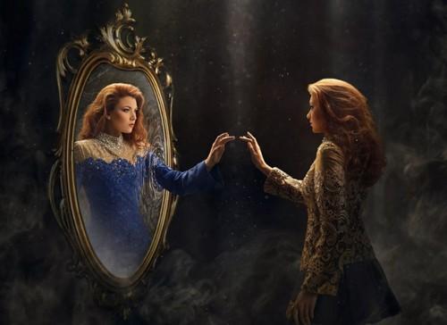 Магия и зеркала