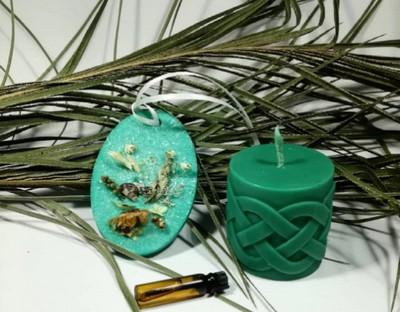 zelenaja-svecha-maslo-jevkalipta-i-zelenye-niti
