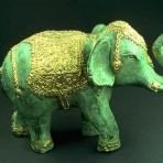 Талисман Слон с поднятым хоботом: что означает по фен-шуй?